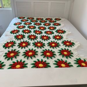 Vintage Poinsettia Crochet Knit Blanket Throw